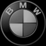 značka BMW černobílá