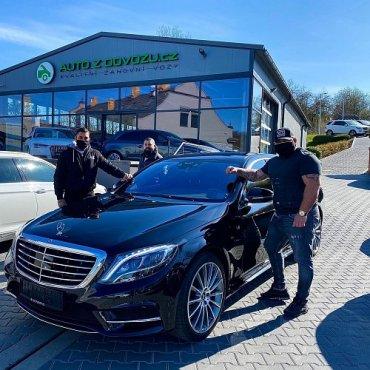 Prodáno.... Děkujeme za důvěru ? a věříme, že Vám bude tento parádní Mercedes S ve firmě skvěle sloužit ?. Tým Auto z dovozu #autozdovozu #prodano #sold #dekujemezaduveru #zijsvujsen #onlineshoping #mercedes #mercedesbenz #sklasse #autoholdingpraha #praha